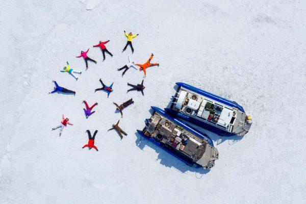 Весна на Байкале: айсберги и нерпы