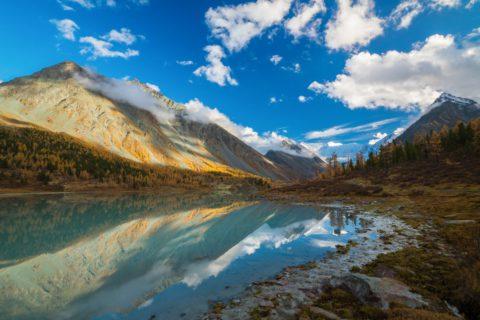 Почему люди стремятся на Алтай осенью